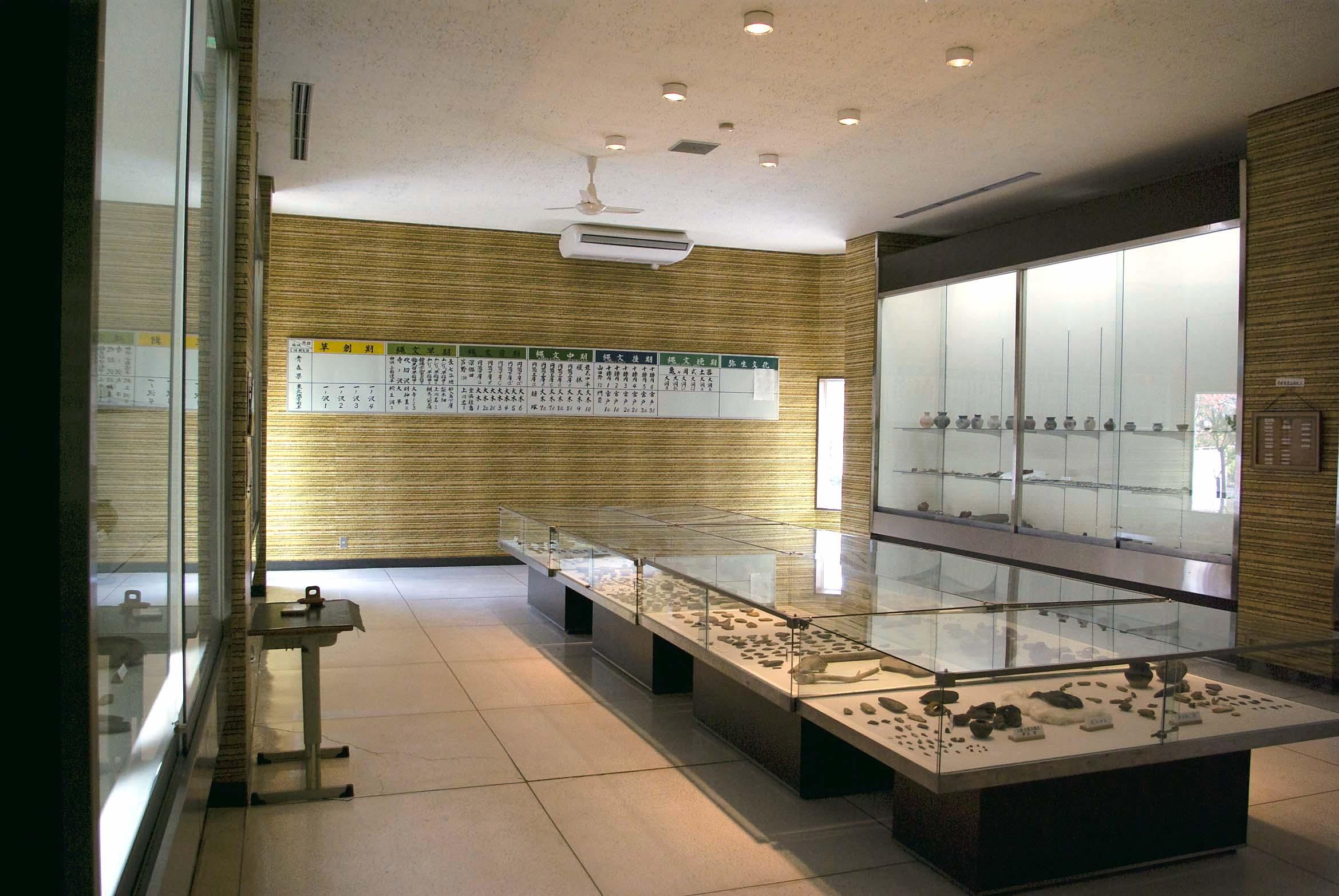 木造亀ヶ岡考古資料室