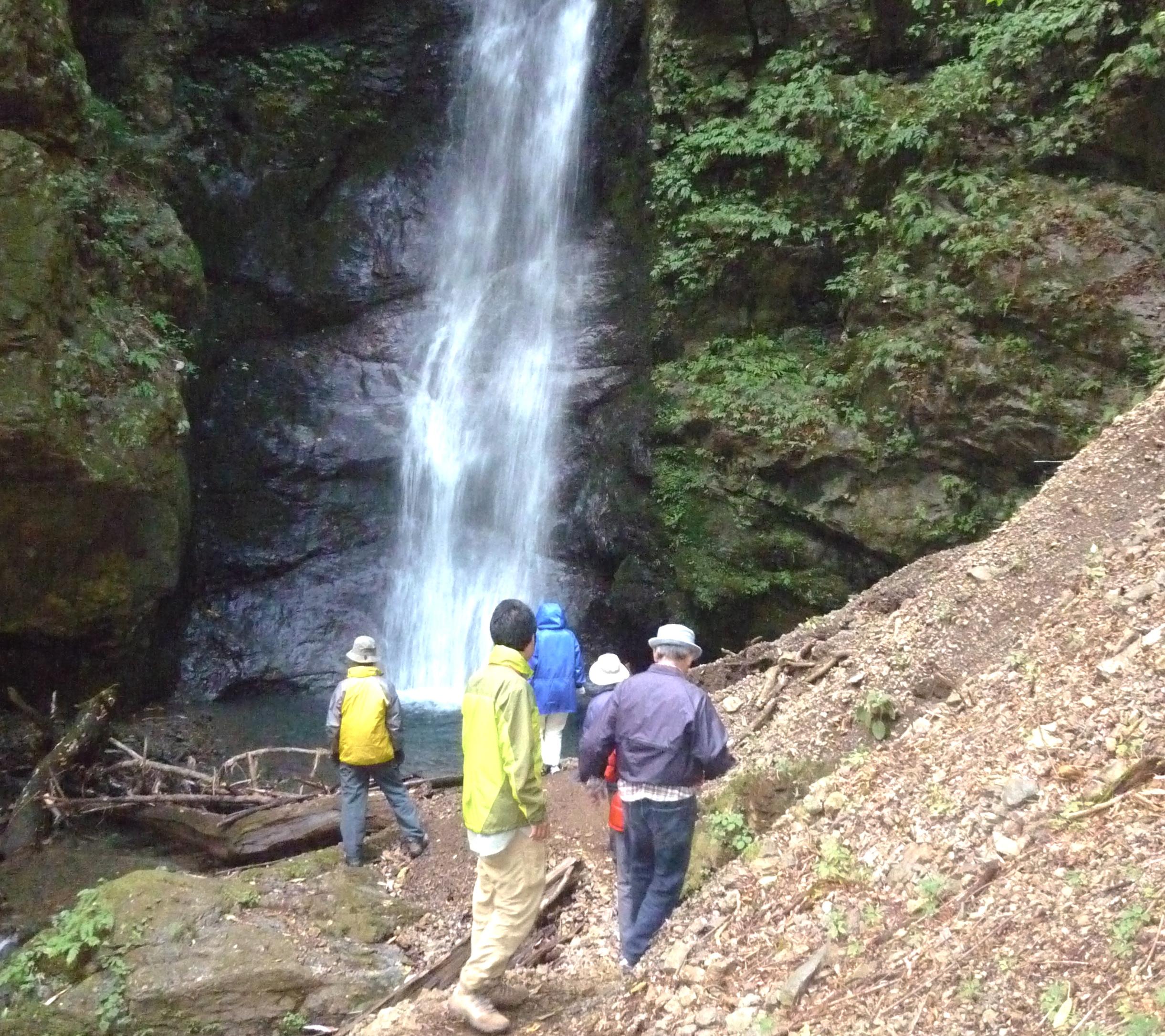 中之沢源流域自然散策路(オボロカヤの滝)