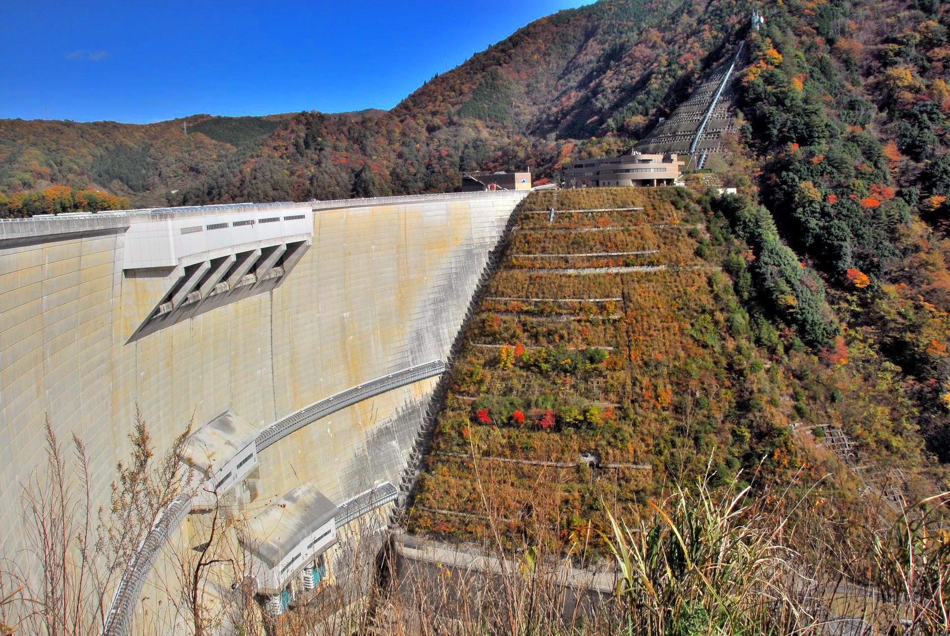 温井ダム(龍姫湖)
