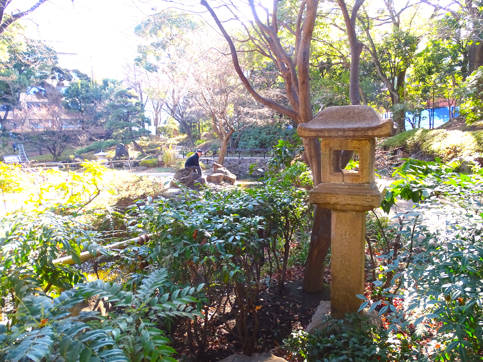 岩亀楼の石灯籠(横浜公園)
