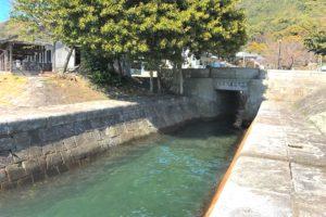 三角西港・石積排水路