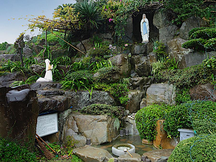 ルルドの洞窟(本渡カトリック教会)
