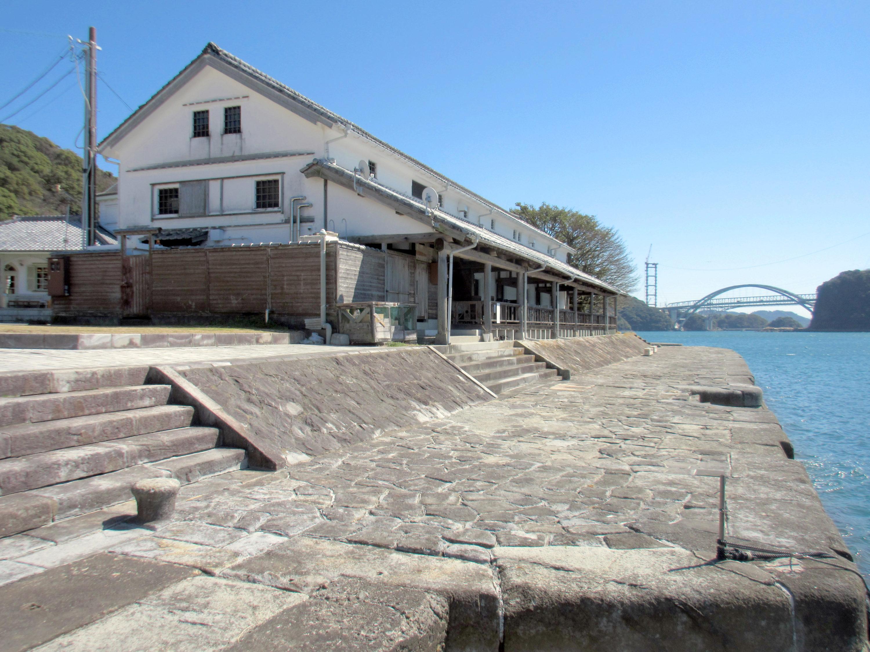 旧三角海運倉庫(西港明治館)