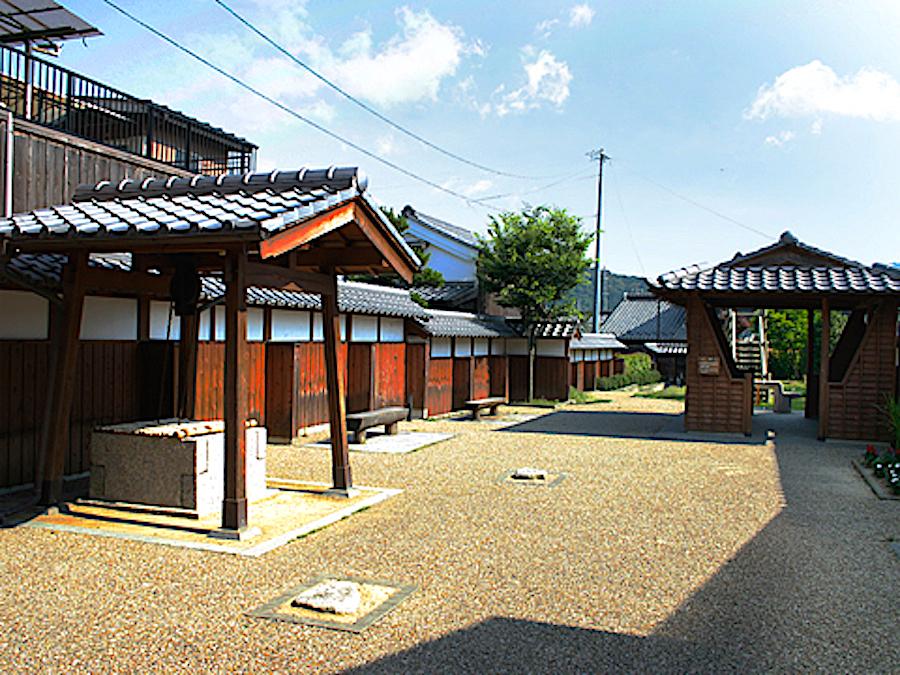 関宿・百六里庭