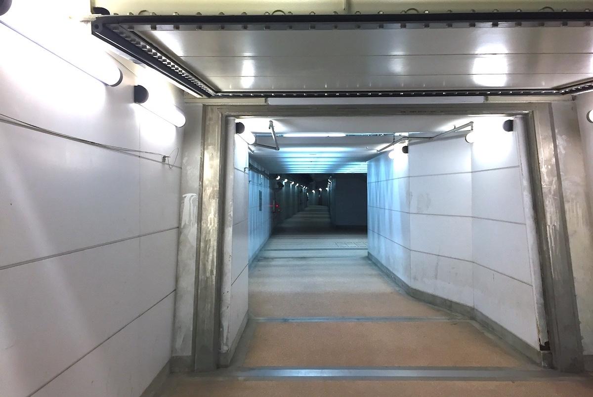 新潟みなとトンネル自転車歩行者道