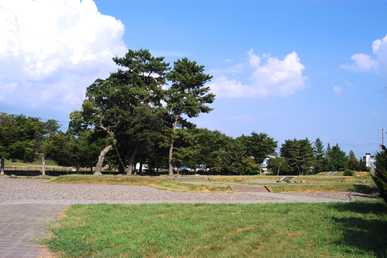 信濃国分寺跡(信濃国分寺史跡公園)