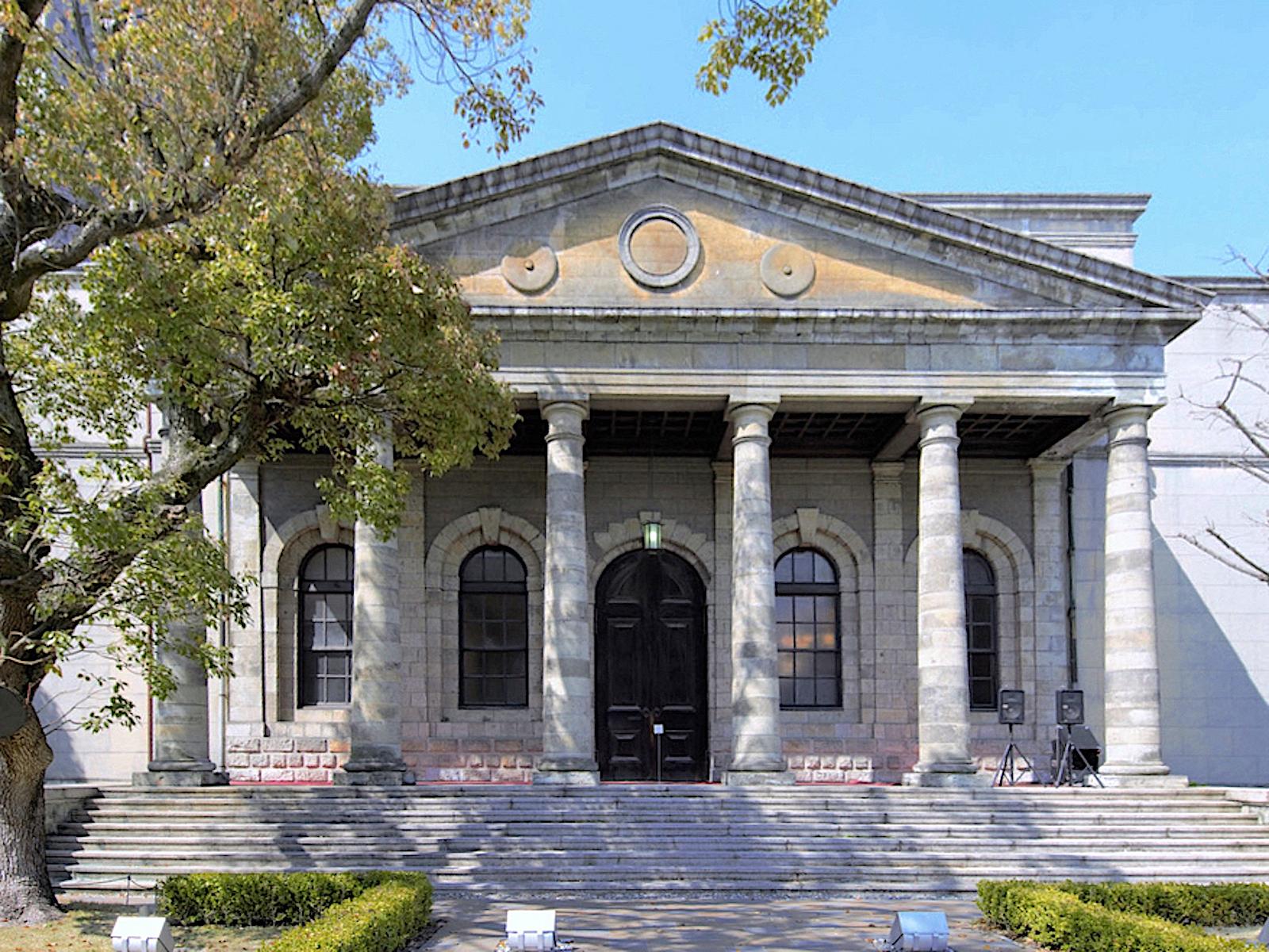 旧桜宮公会堂(旧造幣寮鋳造所正面玄関)