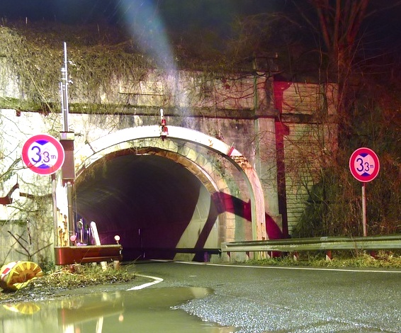 百瀬川隧道
