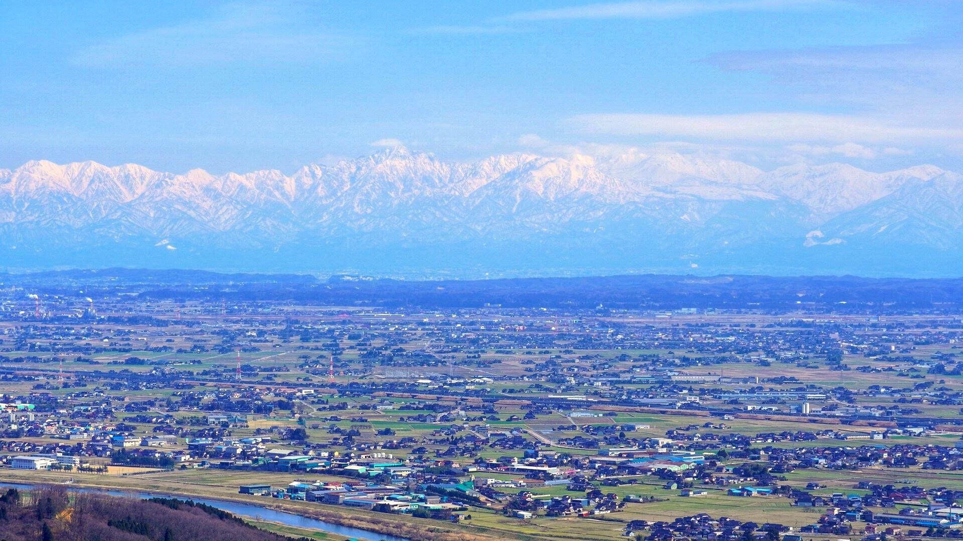 稲葉山牧場山頂展望台