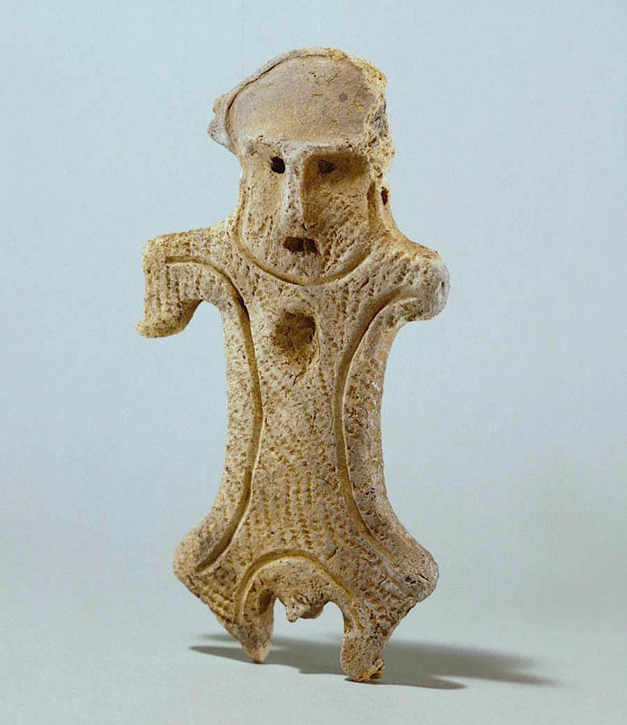 千歳市で発見された男性土偶