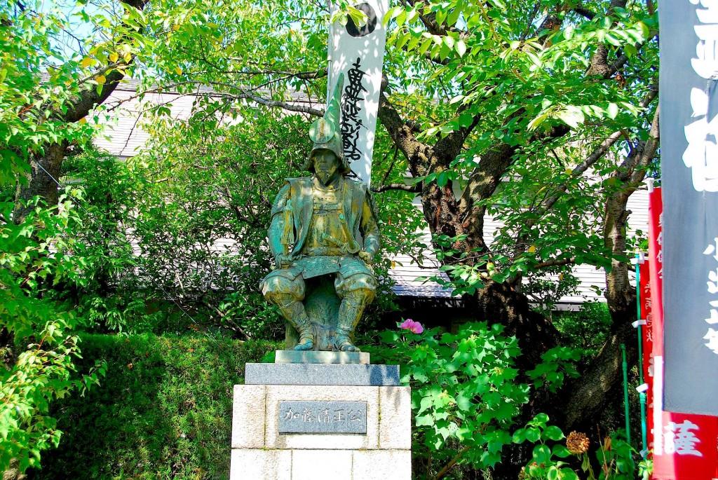 加藤清正の生誕地に建つ妙行寺・加藤清正公像