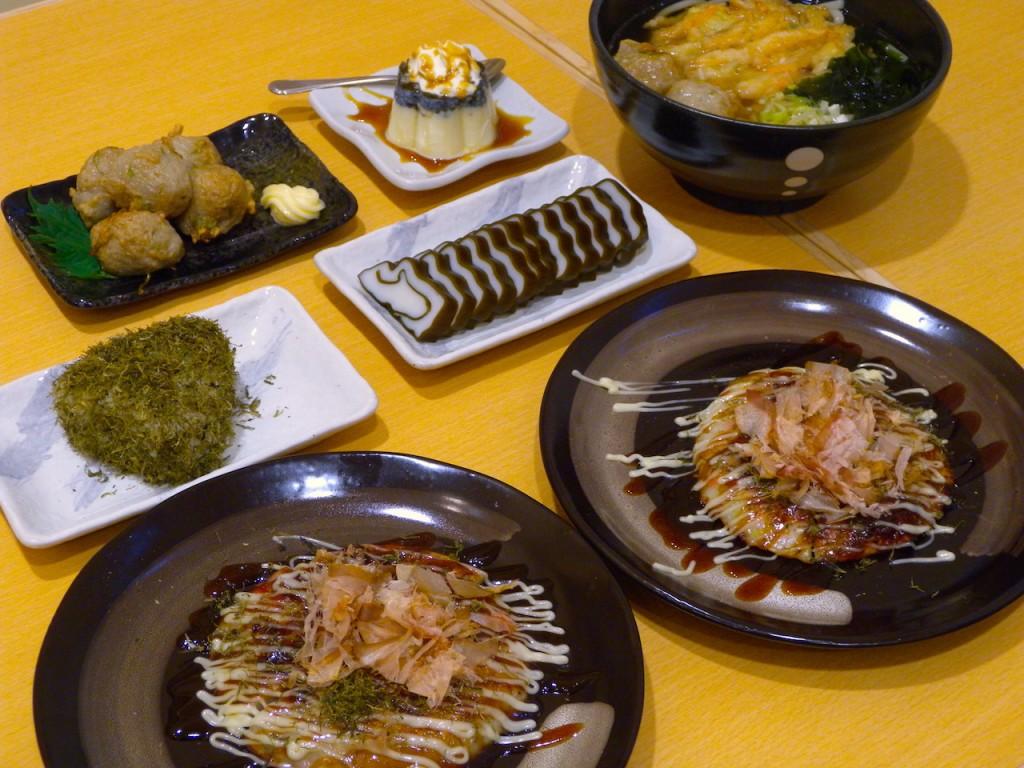 山海亭で注文した料理の数々。手軽な料金でおいしい