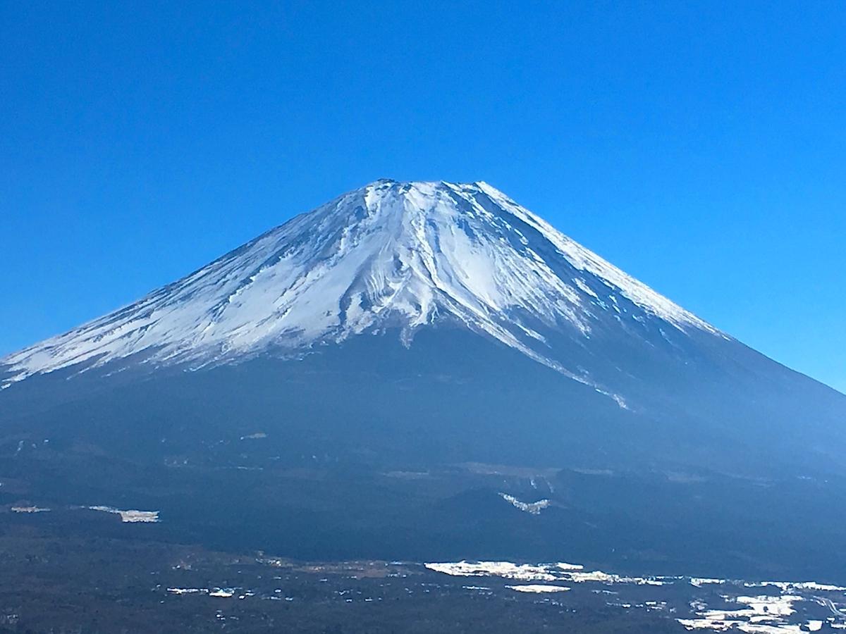 日の出後の富士山も神々しい