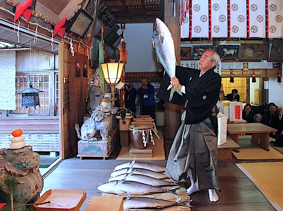 加茂神社『鰤分け神事』(射水市)