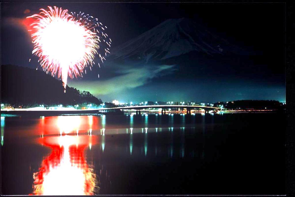 河口湖・冬花火