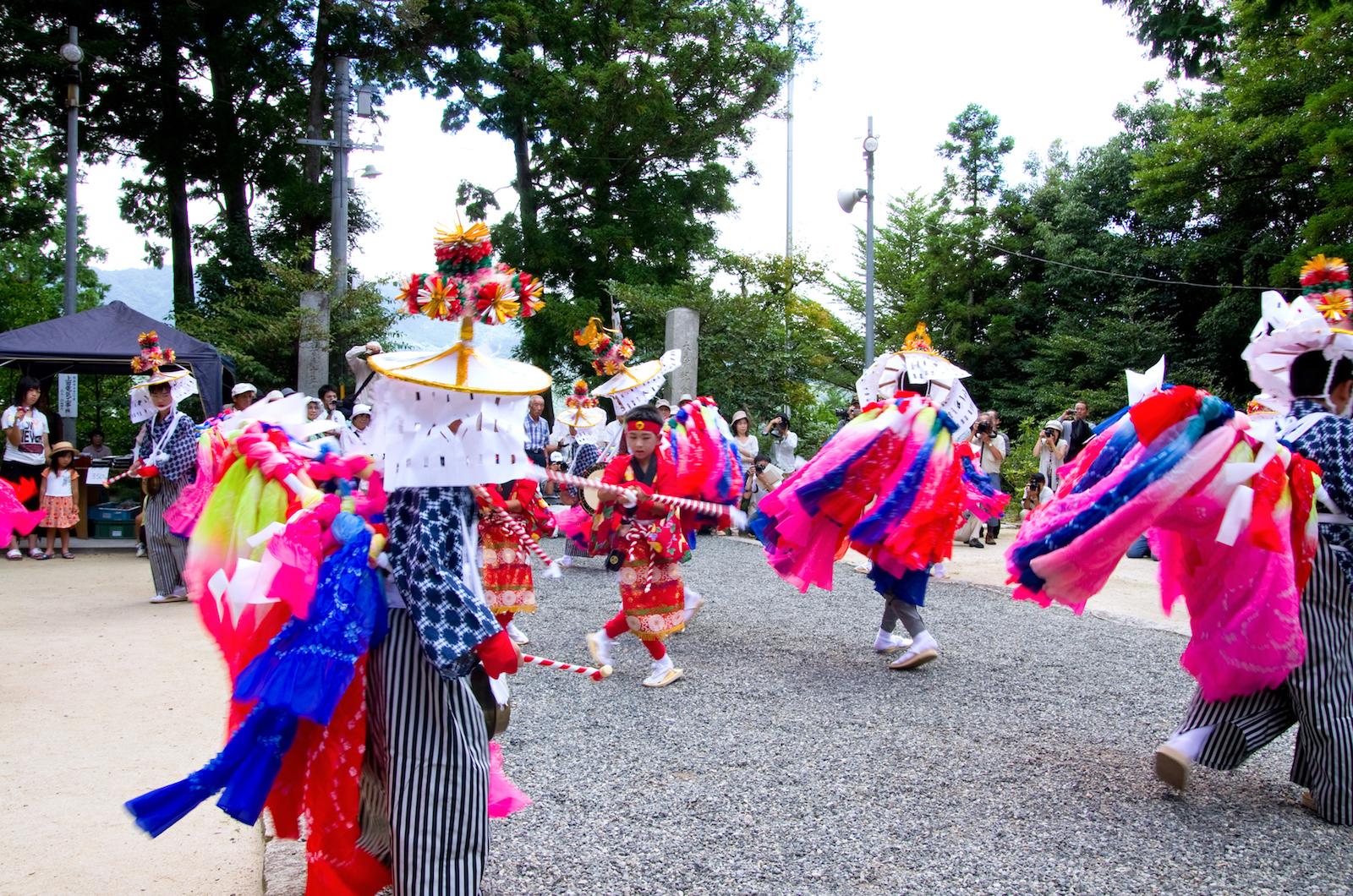 宇佐八幡宮『例大祭(腰輪踊り)』