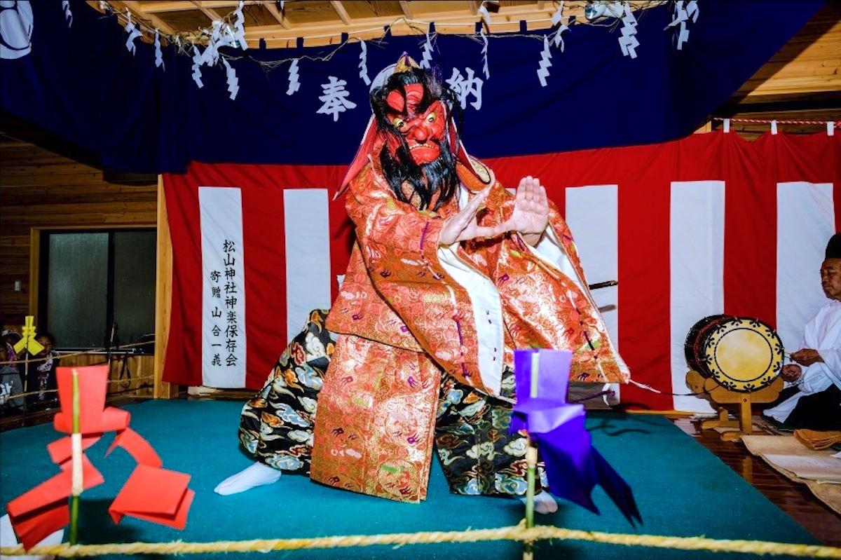 松山神社『神楽』