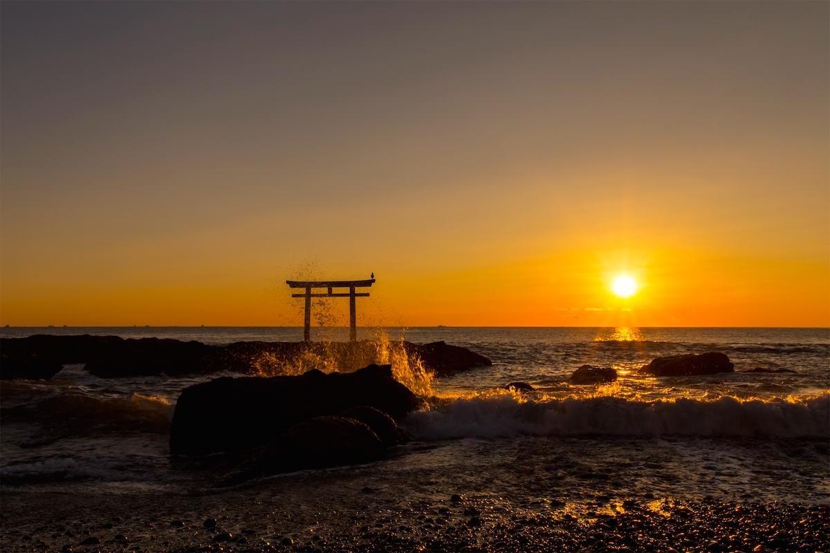 少し定番ですが、神磯の鳥居の初日の出はやはり「絵になる」絶景