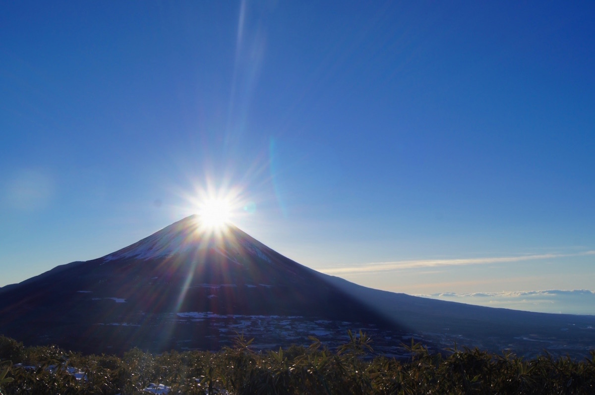 竜ヶ岳山頂からのダイヤモンド富士(初日の出)