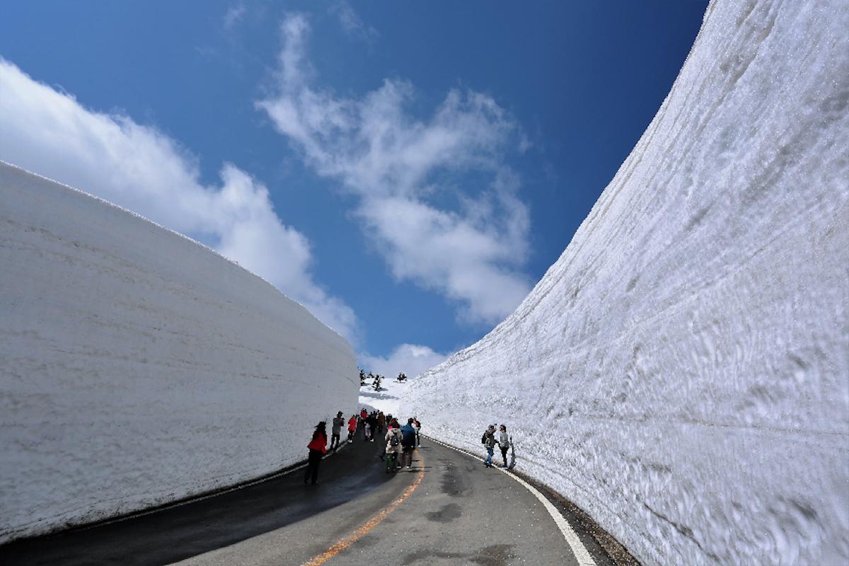 雪壁ウォーク